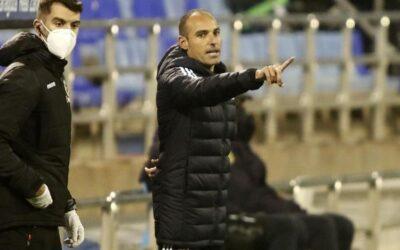 El Real Zaragoza destituye a Iván Martínez